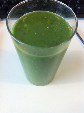 Paleo Lunch Part 1: Green Smoothie
