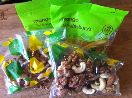 Dried Mango & Mixed Nuts for travelling